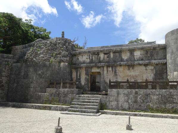 琉球王の墓