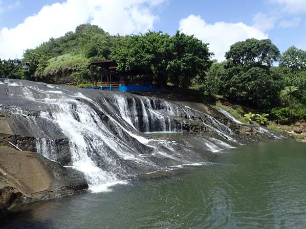 タロファフォの滝