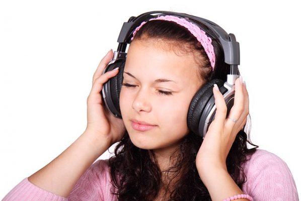 モスキート音で耳年齢テスト!聞こえないなら正しい訓練で改善