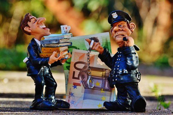 ネットビジネスで逮捕者が続出!嘘や悪徳勧誘を見抜くには